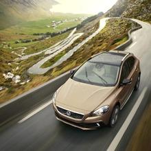 2013-Volvo-V40-R-Design-33