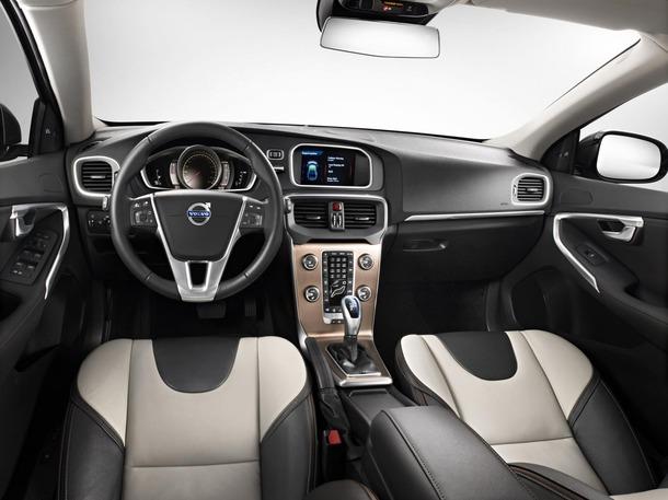 2013-Volvo-V40-R-Design-41