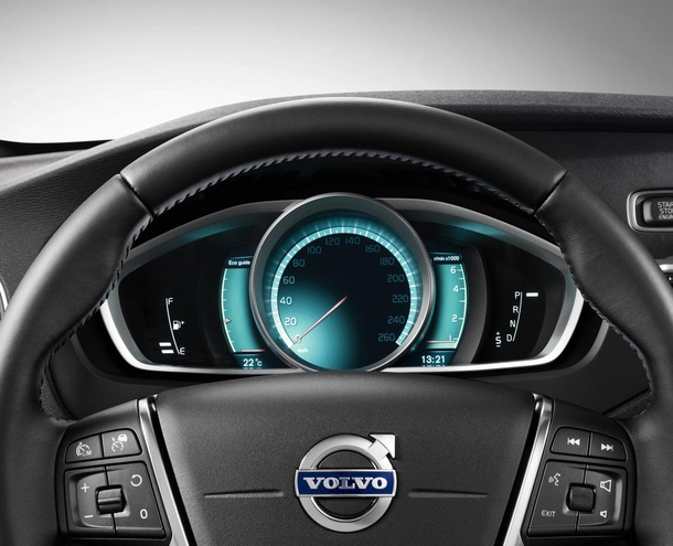 2013-Volvo-V40-R-Design-44