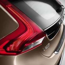 2013-Volvo-V40-R-Design-54