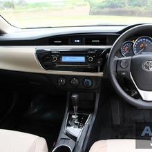 2014_Toyota_Corolla_Altis_CNG_05