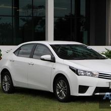 2014_Toyota_Corolla_Altis_CNG_23