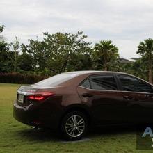 2014_Toyota_Corolla_Altis_CNG_30
