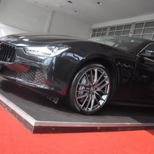 2014-Maserati-Ghibli-1st-Diesel-In-Thai_44