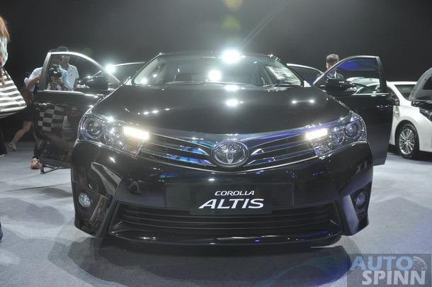 2014-Toyota-Corolla-Altis-TH-Debut