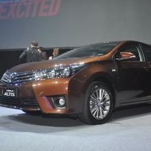 2014-Toyota-Corolla-Altis-TH-Launch_74