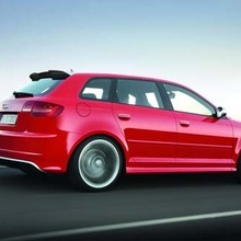 Audi-RS3-Sportback-showroom
