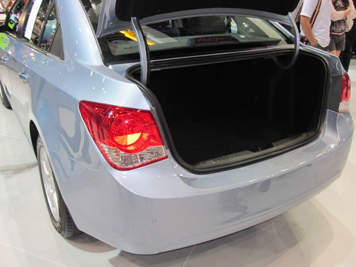 Chevrolet-Cruze-Motor-Expo-2010