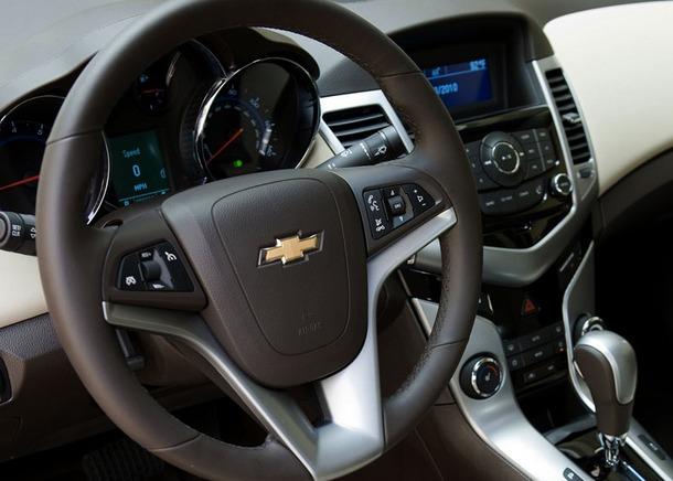 Chevrolet-Cruze-Thailand-14