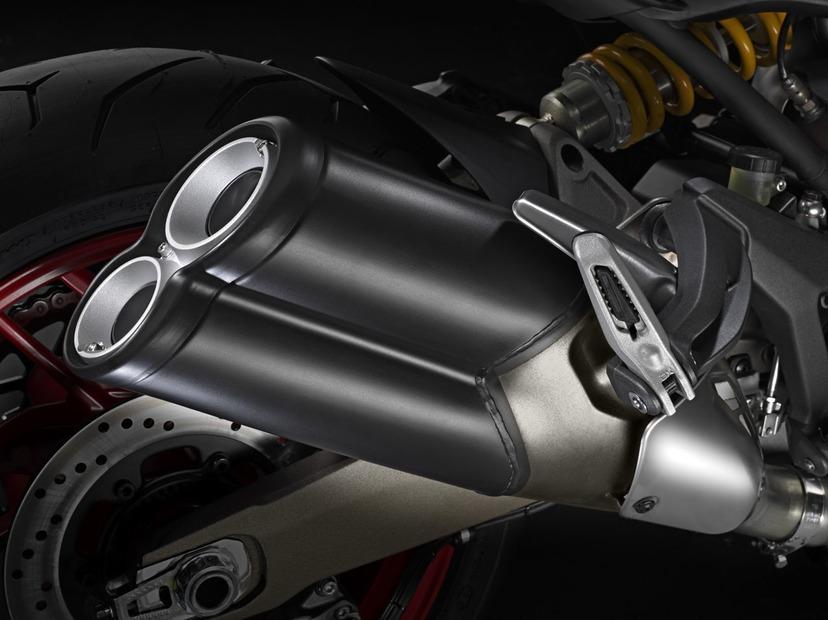 Ducati-Monster-821-revealed-official