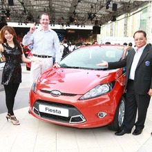 Ford-Fiesta-Grand-Opening-02