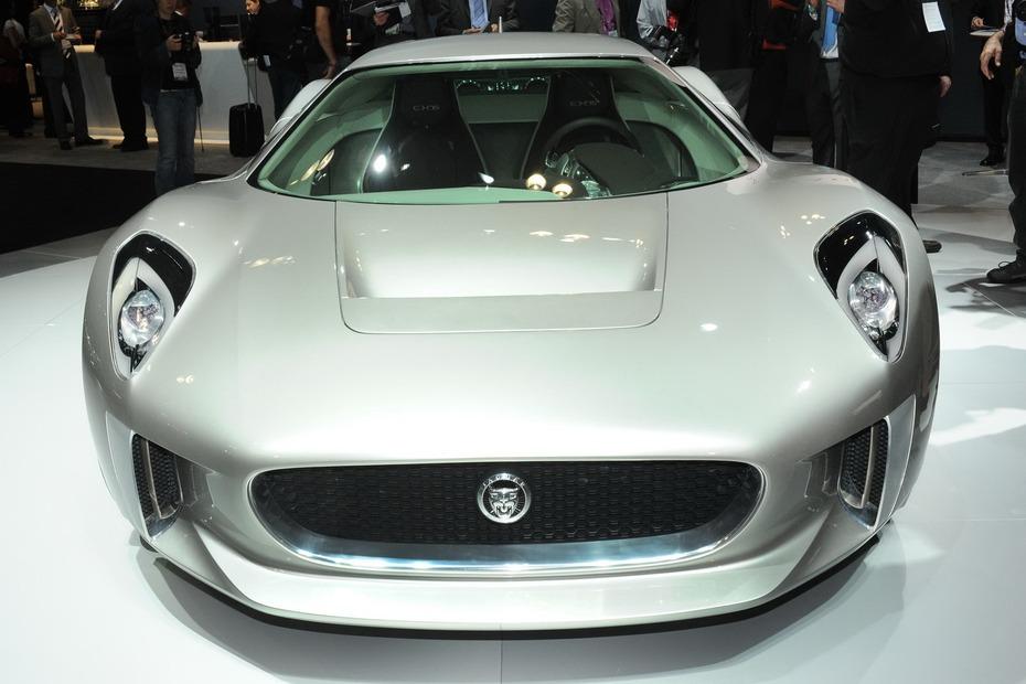 Jaguar-C-X75-Live