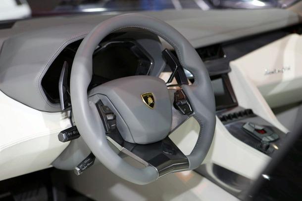 Lamborghini-Estoque-Concept-08