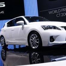 Lexus-CT200h-JDM-07