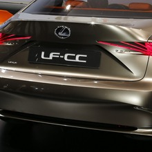 Lexus-LF-CC-Concept-Live-in-Paris