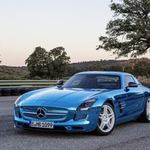 Mercedes-Benz-SLS-Electric-Drive-02
