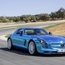Mercedes-Benz-SLS-Electric-Drive-06
