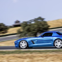 Mercedes-Benz-SLS-Electric-Drive-07