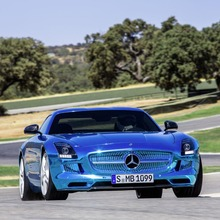 Mercedes-Benz-SLS-Electric-Drive-09
