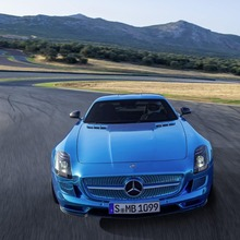 Mercedes-Benz-SLS-Electric-Drive-10