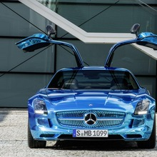 Mercedes-Benz-SLS-Electric-Drive-21