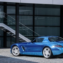 Mercedes-Benz-SLS-Electric-Drive-23