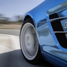 Mercedes-Benz-SLS-Electric-Drive-27