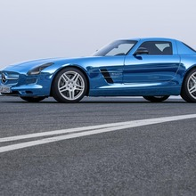 Mercedes-Benz-SLS-Electric-Drive-29