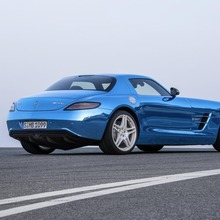 Mercedes-Benz-SLS-Electric-Drive-30