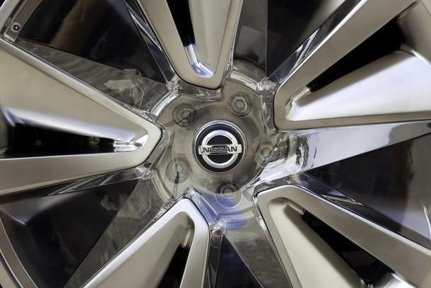 Nissan-Ellure-24