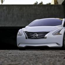 Nissan-Ellure-3