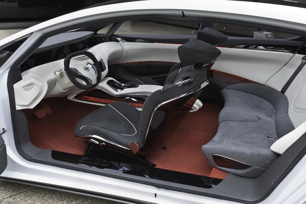 Nissan-Ellure-50