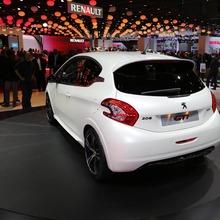 Peugeot-208-GTI-03