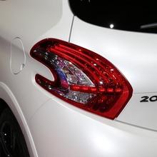 Peugeot-208-GTI-04