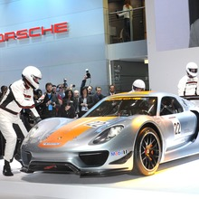 Porsche-918-RSR-Coupe-Concept-09