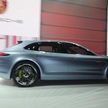 Porsche-Panamera-Sport-Turismo-21