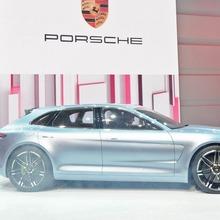 Porsche-Panamera-Sport-Turismo-25