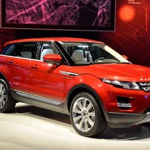 Range-Rover-Evoque-5D-showroom