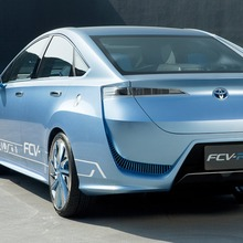 Toyota-FCV-R-Fuel-Cell-Concept