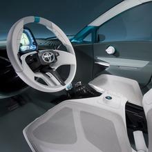 Toyota-Prius-C-Concept-16