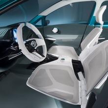Toyota-Prius-C-Concept-17