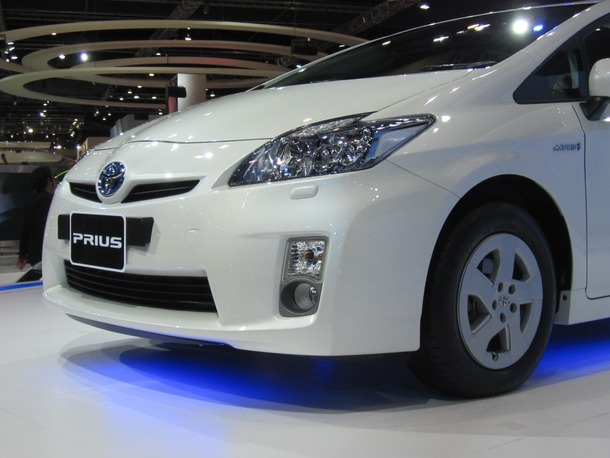 Toyota-Prius-Live-05