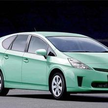 Toyota-Prius-MPV-showroom