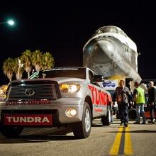 Toyota-Tundra-Tows-Endeavour