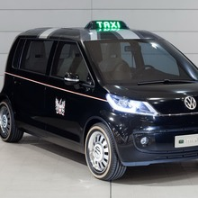 Volkswagen-Up-Taxi-EV-04